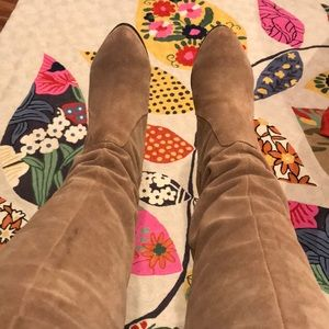 Dolce Vita tan suede boots (7.5)